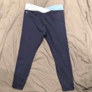 Fabletics workout (capri) leggings